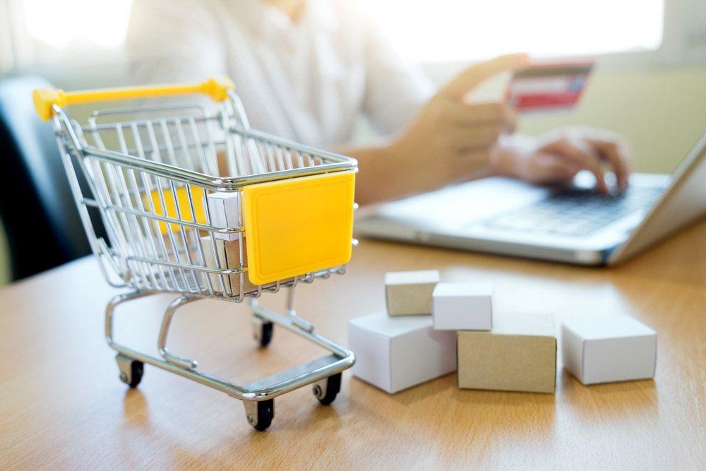 مرکز تکمیل سفارشات برای کدام کسب و کارهای آنلاین سودمند است؟